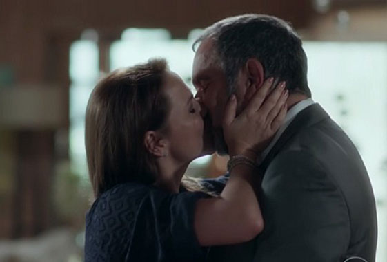 Rede Globo – Totalmente Demais – Totalmente Demais: Sofia fotografa o beijo  de Germano e Lili | Pagina Zero